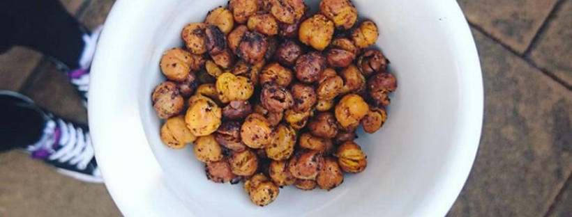 vegan spicy crunchy roasted chickpeas recipe