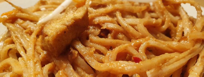 10-minute Vegan Satay Noodles