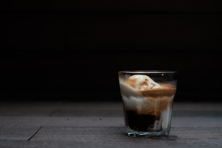 vegan affogato - easy vegan desserts