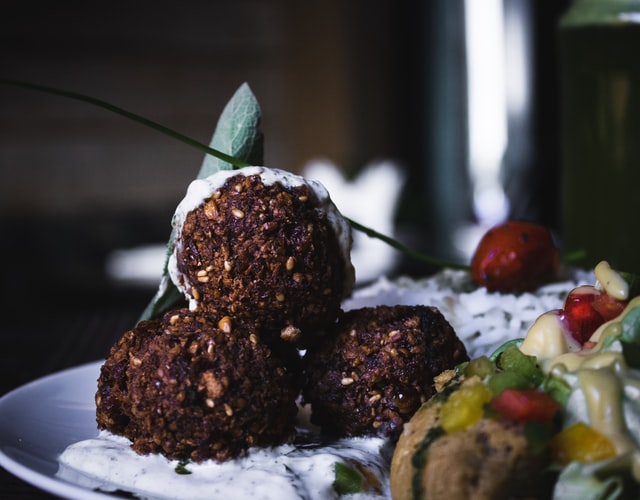 falafel - natural alternatives to meat