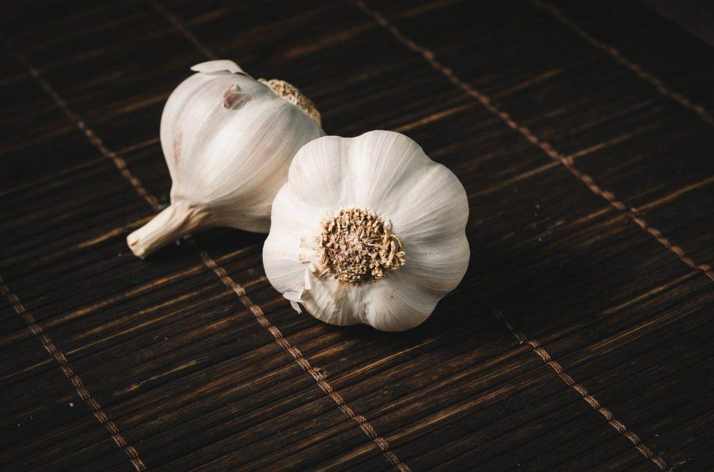 garlic- anti-aging foods list