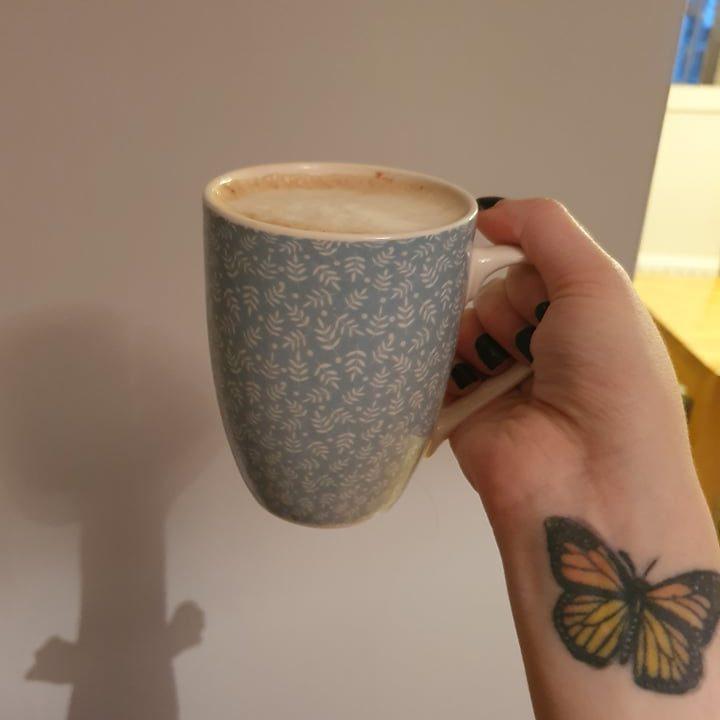 vegan peppermint mocha in a blue mug
