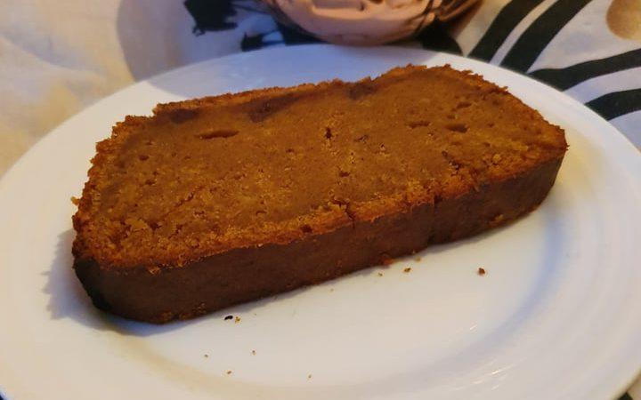slice of vegan pumpkin spice bread