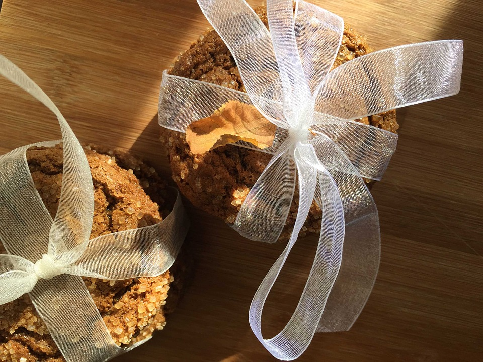 vegan pumpkin spice cookies wrapped in a bow